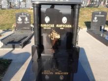 nadgrobni-spomenici-kapiteli-001